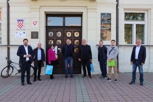 Predsjednik Hrvatskog odbojkaškog saveza sa suradnicima posjetio Đakovo