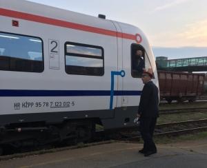 """U prometu novi """"Studentski vlak"""" Osijek – Zagreb i Zagreb – Osijek!"""
