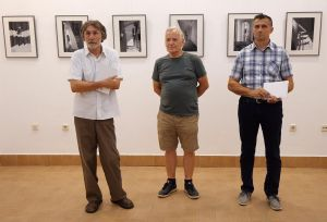 """[VIDEO] U Muzeju Đakovštine otvorena izložba """"Aktovi"""" Stanka Abadžića"""