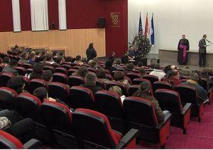 "Natječaj Nadbiskupijske zaklade ""Dr. Nikola Dogan"" za pomoć učenicima i studentima"